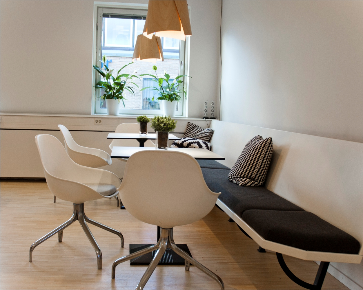 Pendul - lampi suspendate de interior, design modern