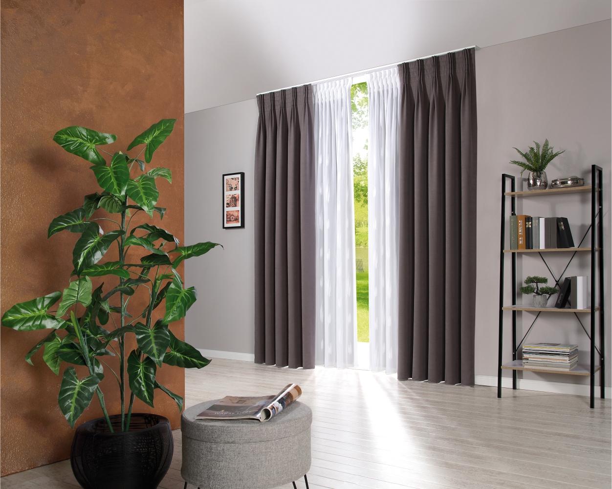 Blackouts draperii opace. Design interior.